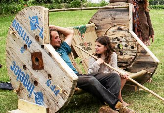 Au programme du Groove On Earth eco-festival de la musique, des artisans, de l'environnement et de l'art, le tout en mode local pour petits et grands avec un mobilier tout récup' en cours de construction par les bénévoles